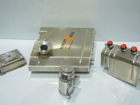 Fuel tank, petrol swirl pot, oil breather tanks (engine and gearbox), fuel tank filler cover - Alfa 33
