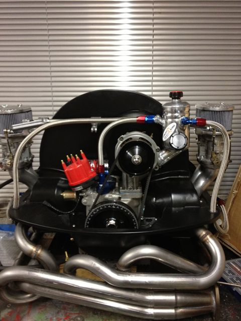 LEE PICKERING'S BREATHER TANK FITTED ON ENGINE