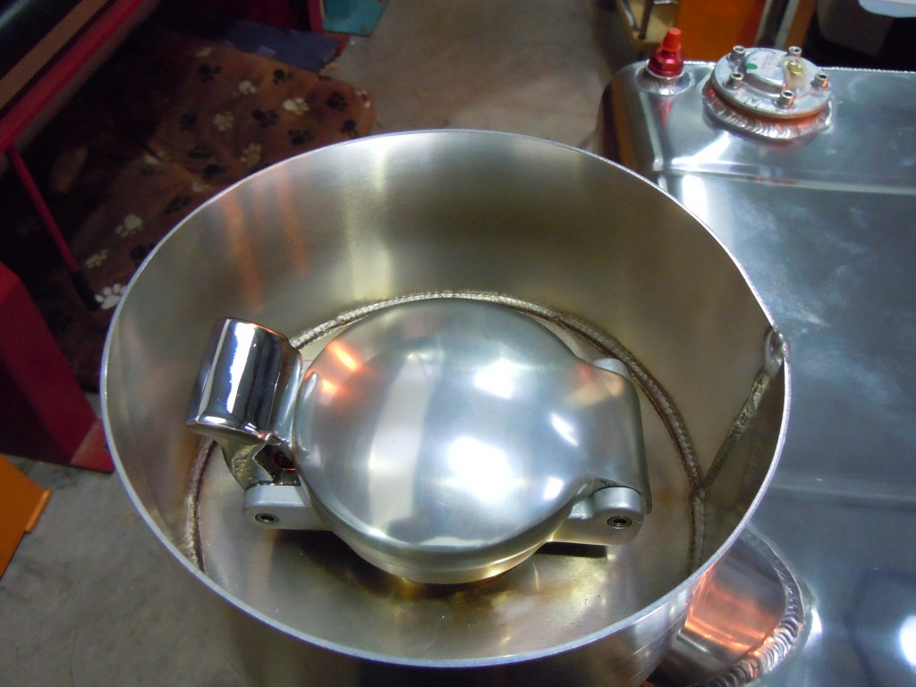 Monza Cap and Splash Bowl
